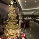 В Токио появилась ёлка из чистого золота