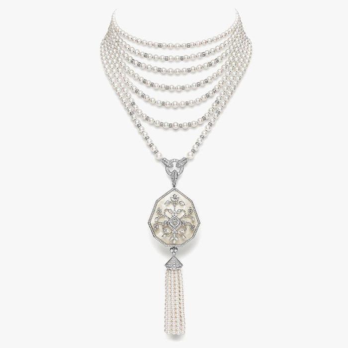 Колье Nagaur с жемчугом, перламутром и бриллиантами от Boucheron