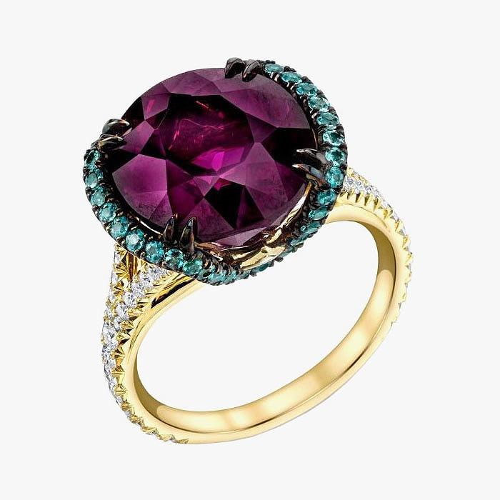 Кольцо с гранатом, александритами и бриллиантами от Omi Prive