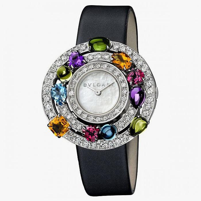Ювелирные часы с бриллиантами и драгоценными камнями от Bulgari