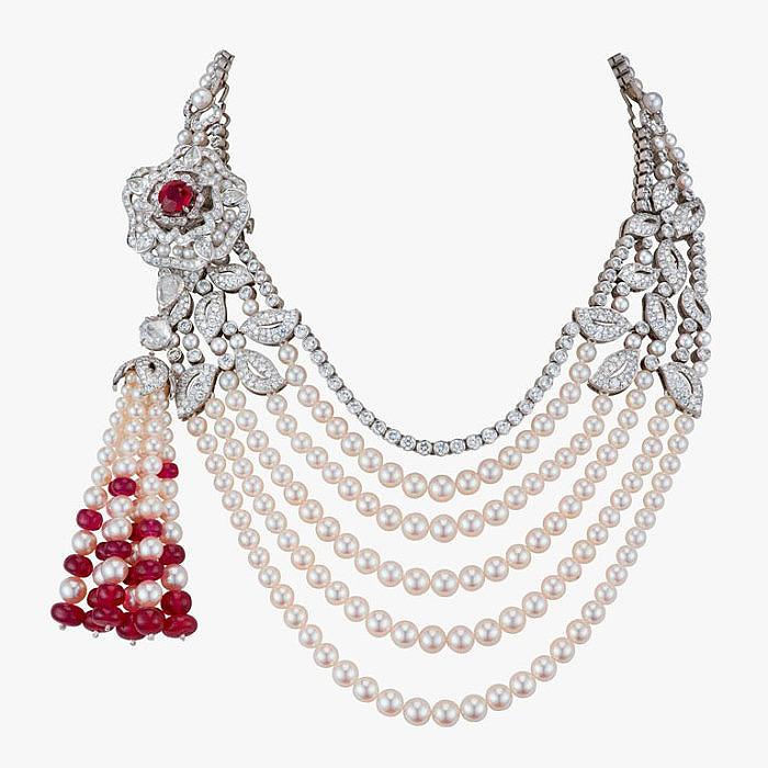 Колье Tudor Rose с жемчугом, бриллиантами и рубинами от Garrard