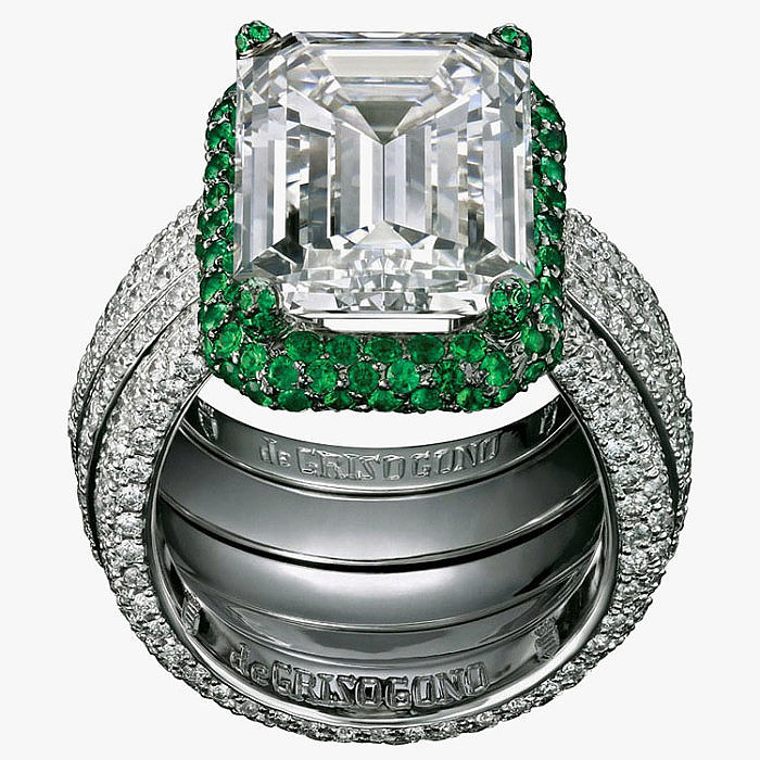 Кольцо с бриллиантом и изумрудами от de Grisogono