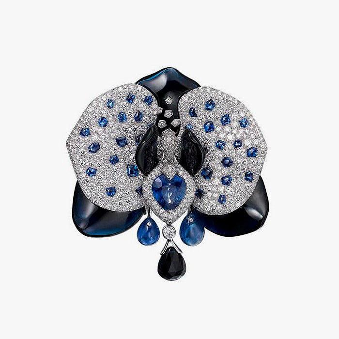 Брошь с бриллиантами, сапфирами и ониксом от Cartier