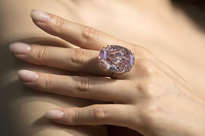 Бриллиант Pink Star продан за 71,2 миллиона