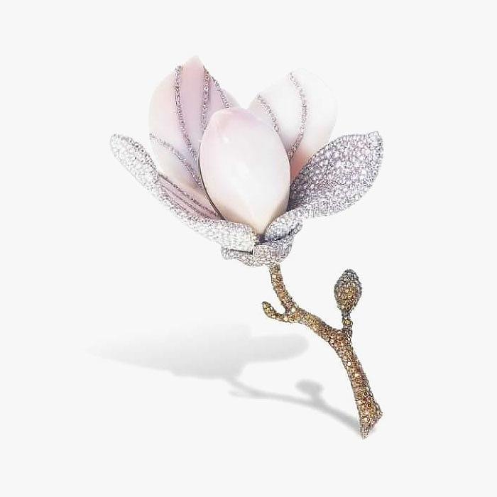 Брошь-цветок от ETCETERA с редкой жемчужиной конк