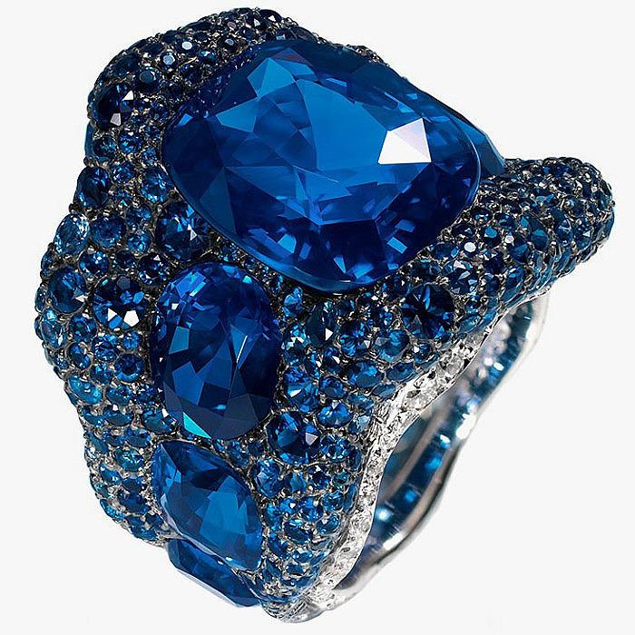 Кольцо с сапфирами и бриллиантами от Fabergé