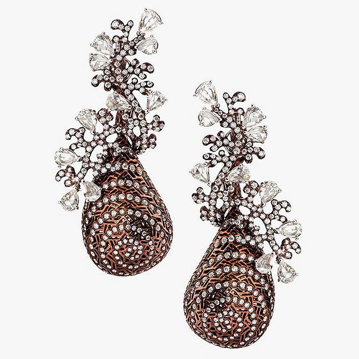 Серьги с коричневым родированием и бриллиантами Neha Dani: