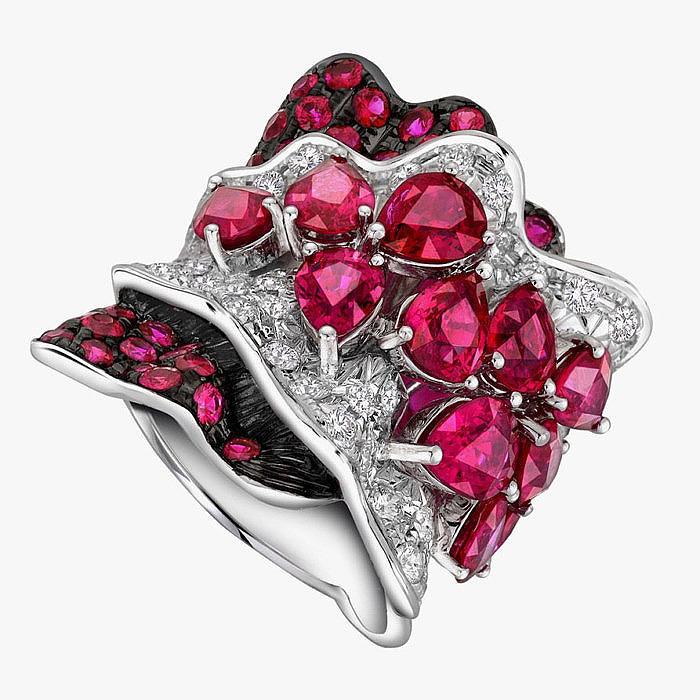 Кольцо Larry Jewelry с рубинами и бриллиантами.