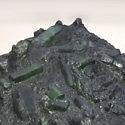 Найден гигантский изумруд весом почти 300 килограмм