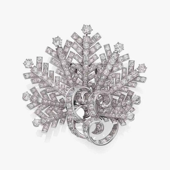 Бриллиантовая брошь от Boucheron