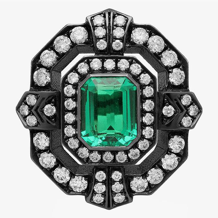 18-каратное золото, изумруд и бриллианты в кольце от Colette