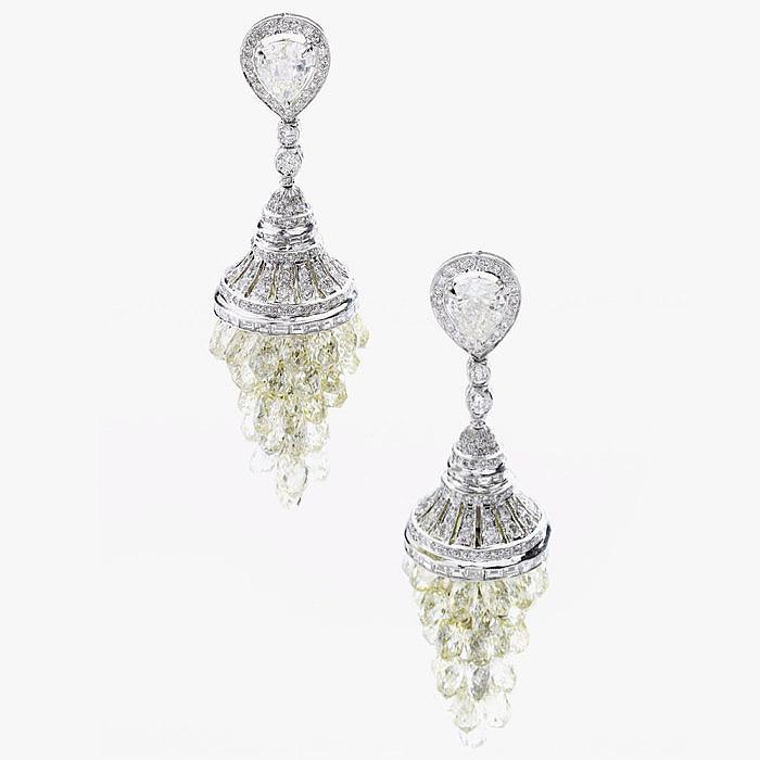 Серьги с бриллиантами грушевидной, классической круглой формы
