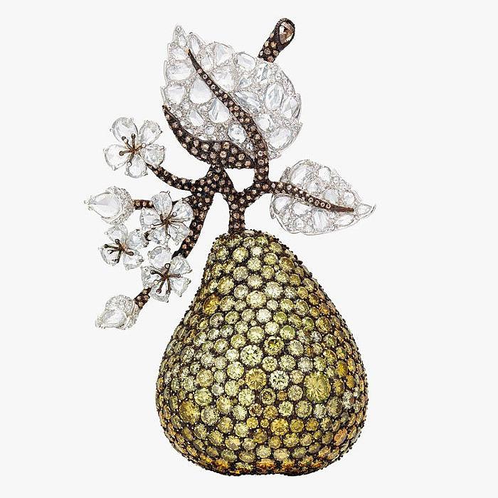 Брошь Michelle Ong в виде груши из золота и платины с бриллиантами