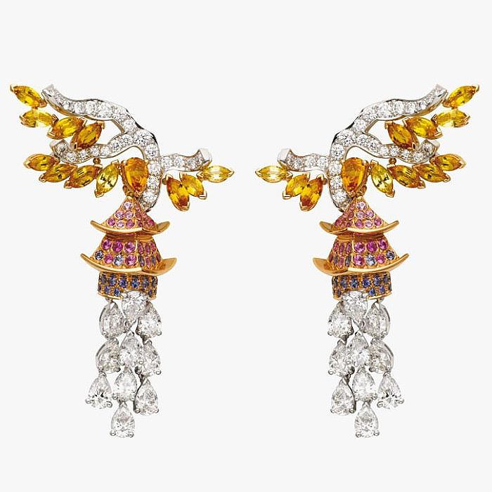 Серьги Pavillon d'Or из коллекции Orient от Van Cleef & Arpels