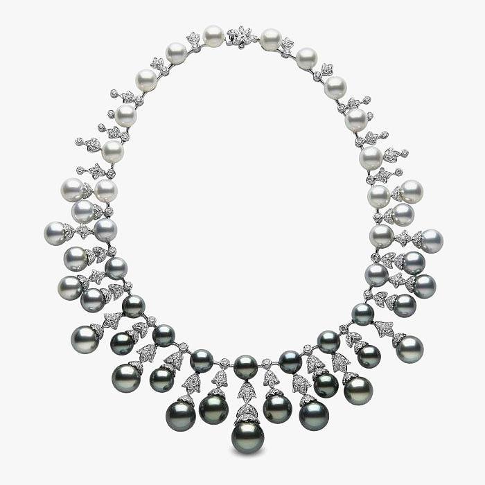 Ожерелье из белого и черного жемчуга от Yoko London