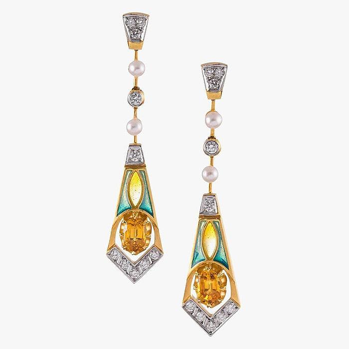 Бриллианты, цитрины, жемчуг и эмаль в серьгах от Masriera
