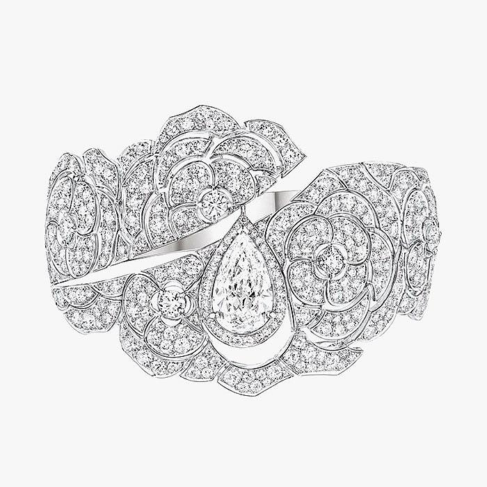 Роскошный бриллиантовый браслет из коллекции Coco Avant Chanel