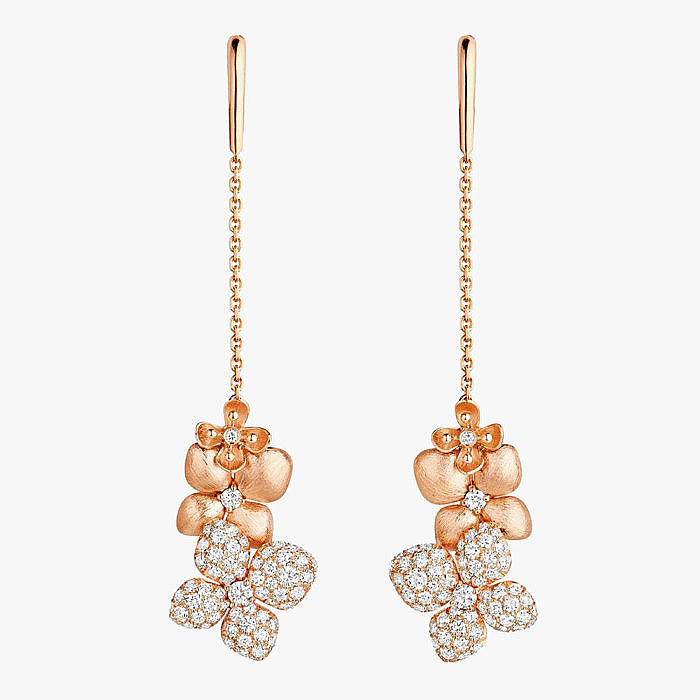 Золотые серьги с бриллиантами из коллекции Jeux de Liens от Chaumet