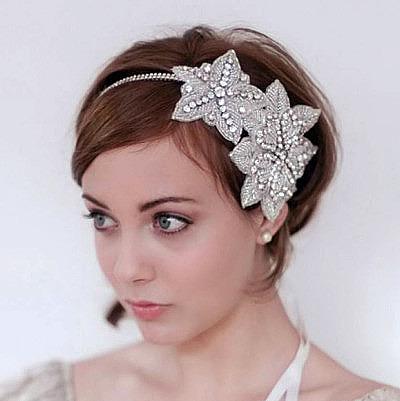 Свадебная прическа на короткие волосы украшения