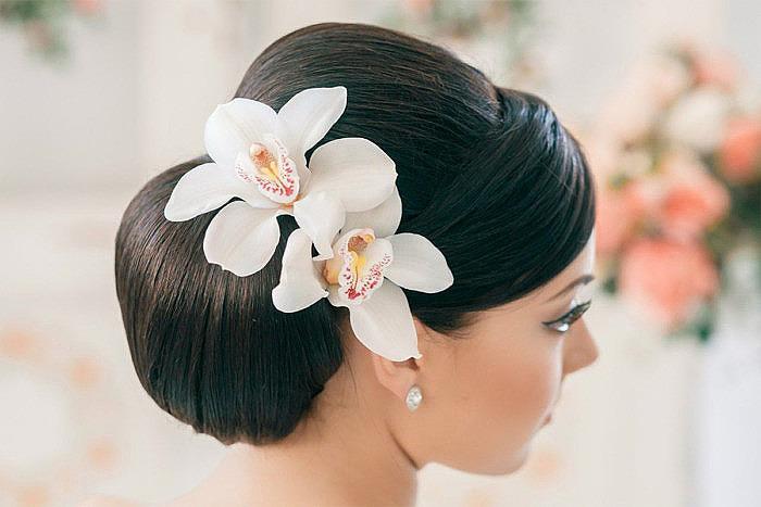 Украшения с цветами для свадебной прически