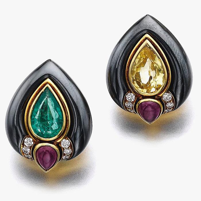 Серьги с изумрудами, рубинами, бриллиантами и гематитом от Bulgari