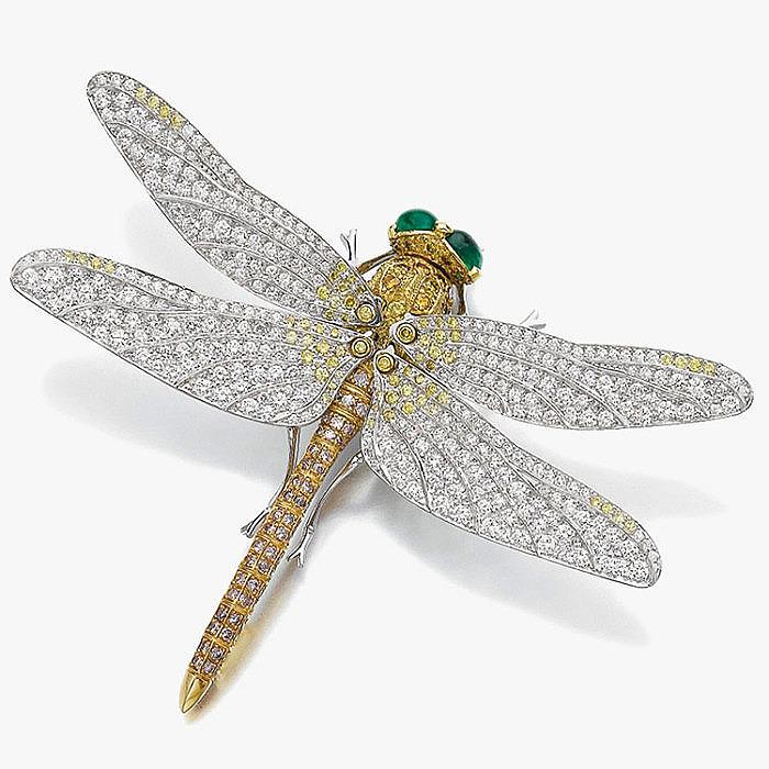 Брошь-стрекоза от Meister с изумрудами и бриллиантами
