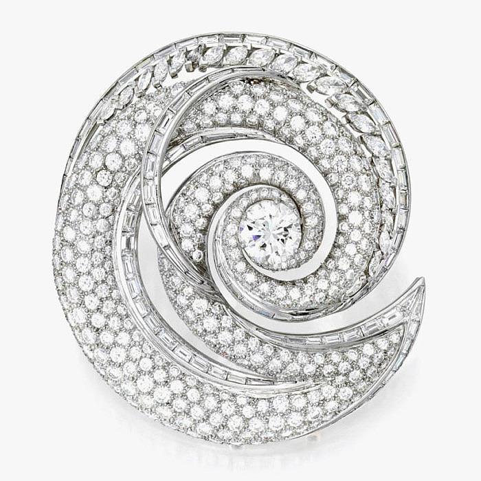 Бриллиантовая брошь от Valentin Magro