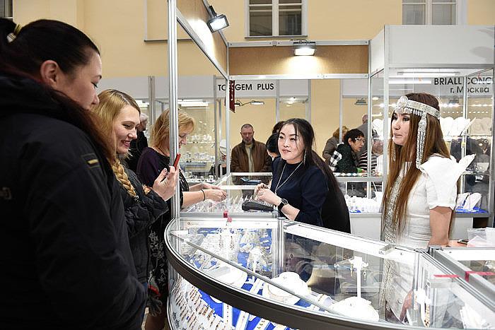 Выставка Сокровища Петербурга март 2018