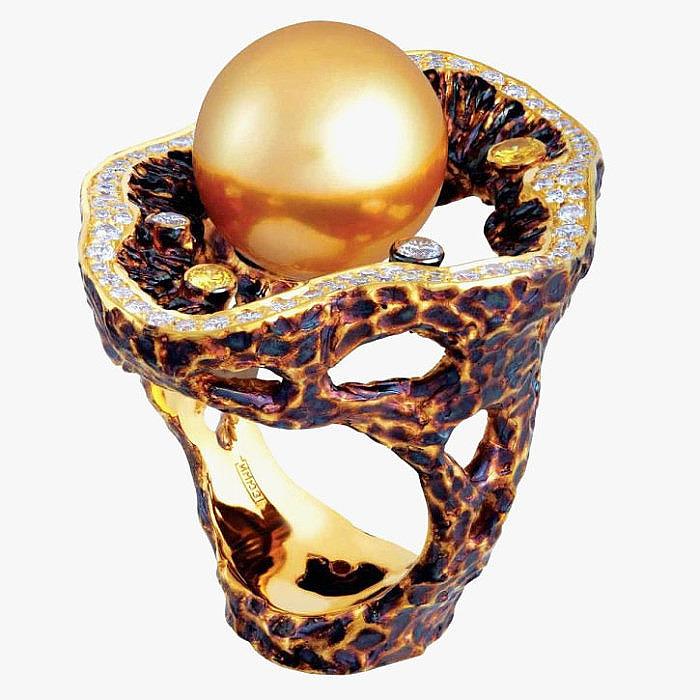 Кольцо от Jewellery Theatre: желтое золото, жемчуг, бриллианты