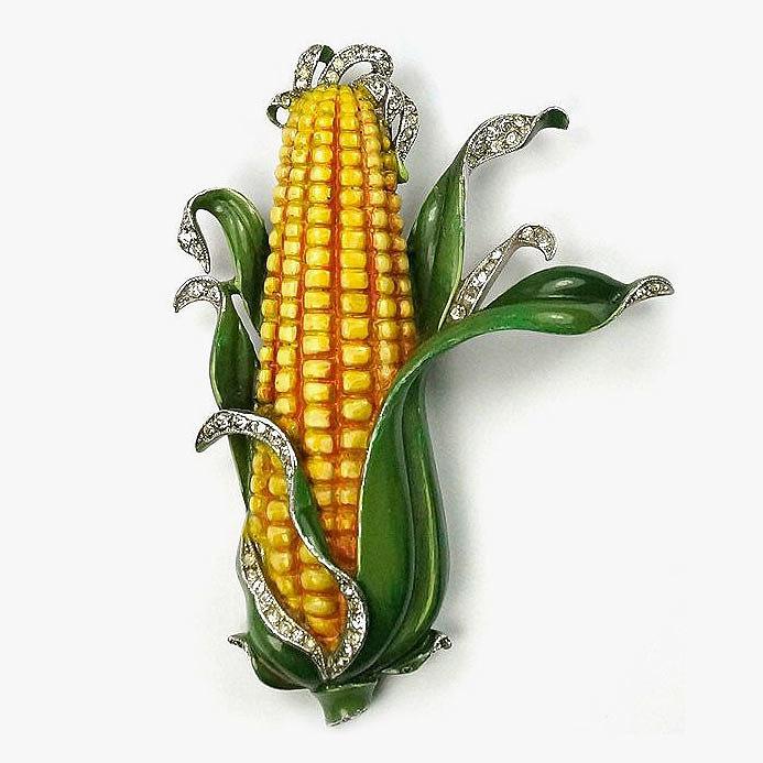 Брошь Trifari в виде початка кукурузы, украшенного бриллиантами и яркой эмалью