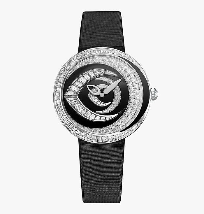 Часы Chaumet с 42 бриллиантами и черным лаком