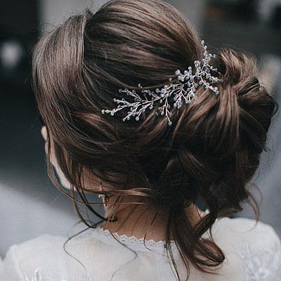 Сияющие кристаллами свадебные аксессуары Ольги Алферовой