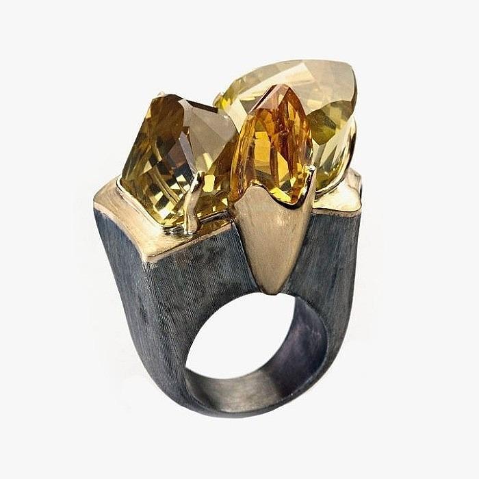 Кольцо от Bia Vasconcellos с кварцем и цитрином