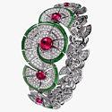 Бриллианты, рубины, нефрит в браслете из коллекции Cartier Royal