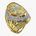 Золото, бриллианты и великолепный опал в кольце от Victor Velyan