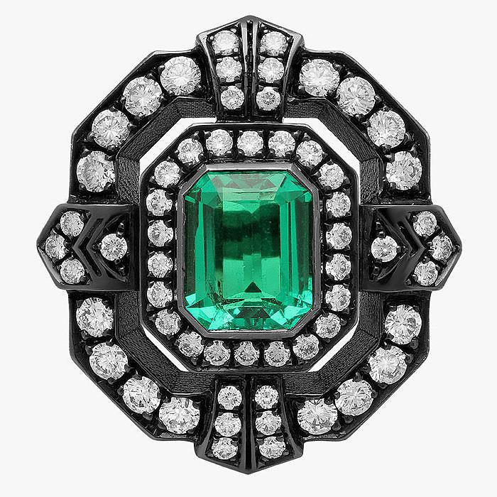 Кольцо с изумрудом и бриллиантами от Colette