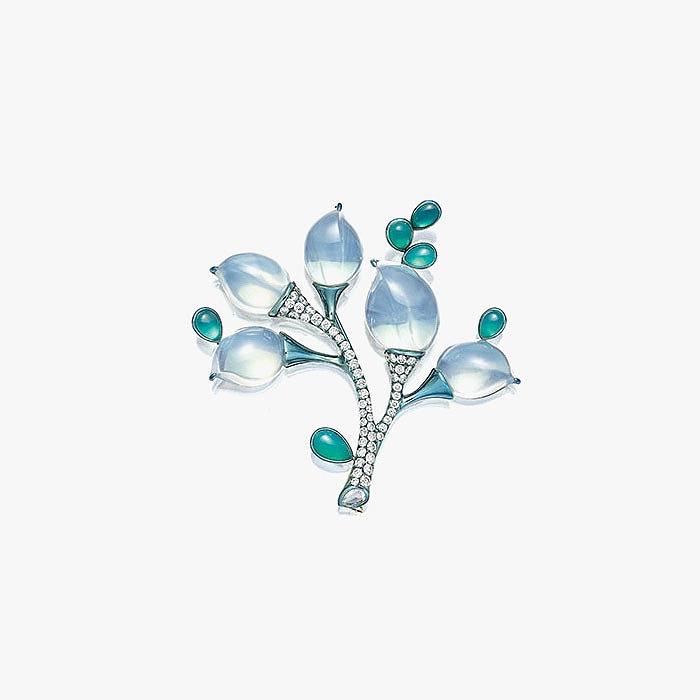 Брошь Tree от Farn Farn с лунным камнем, халцедонами и бриллиантами