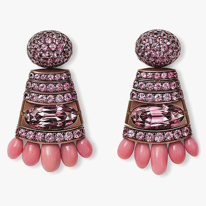 Серьги Hemmerle с жемчугом конк и розовой шпинелью