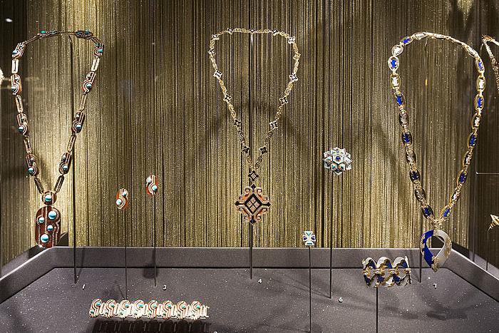 Украшения Bulgari — экспонаты выставки в Музеях Московского Кремля