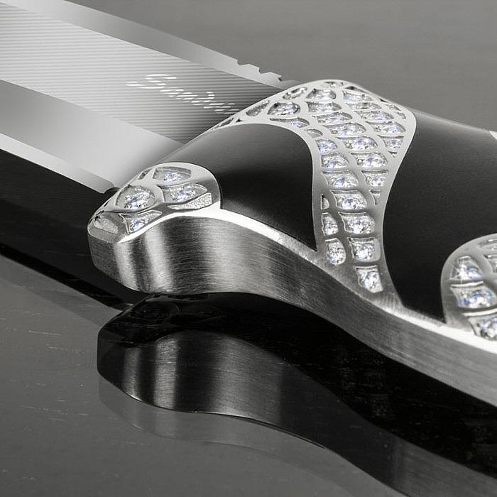 Нож, покрытый бриллиантами, стоит дороже, чем Porsche