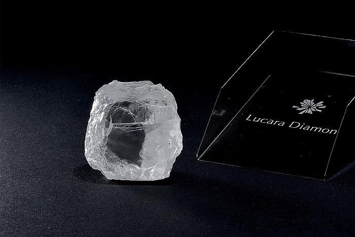 Lucara извлекла 240-каратный алмаз в Карове