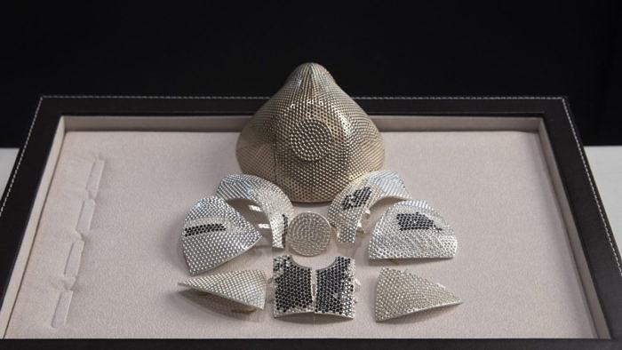 Защитная маска за1,5млндолларов